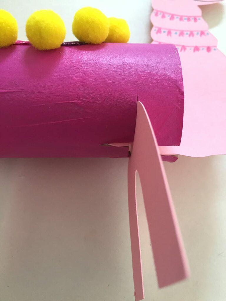 DIY papel higiénico llamas 15