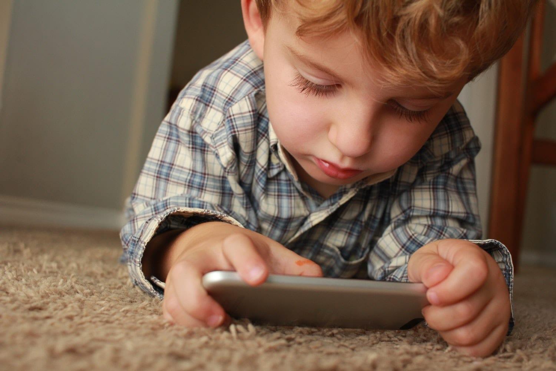 tecnologia crianças