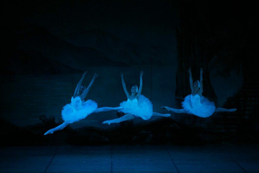 O Lago dos Cisnes - Bailarinas