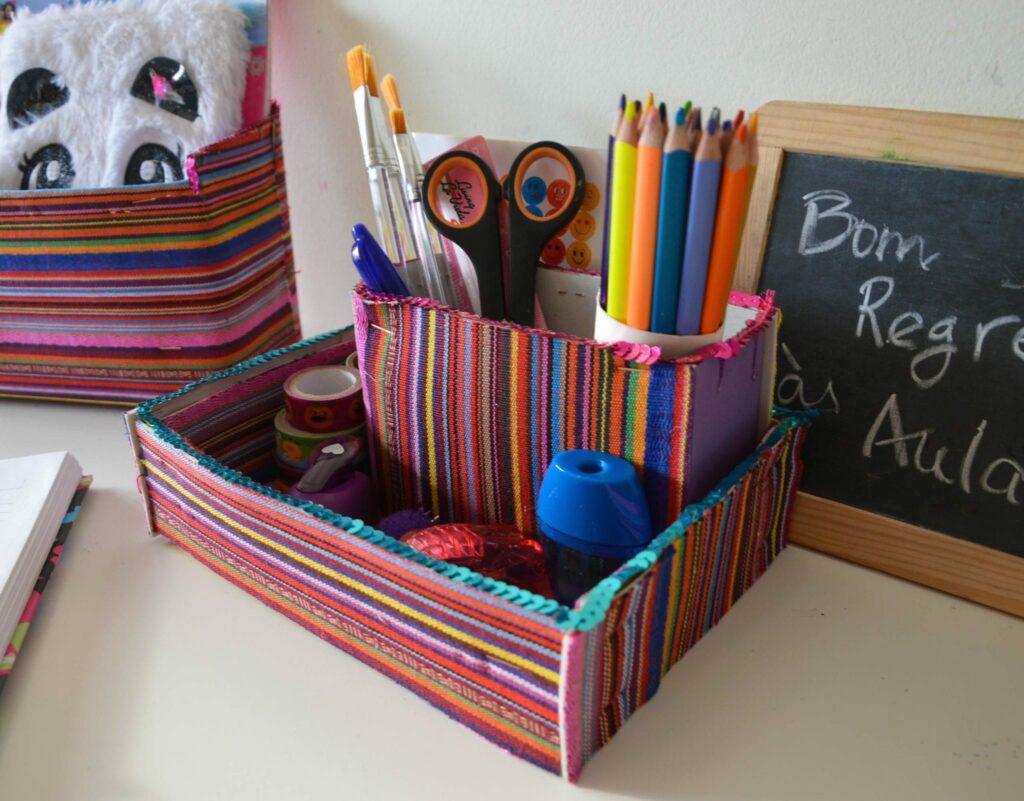 caixa organizadora - secretária - colocar lantejoulas