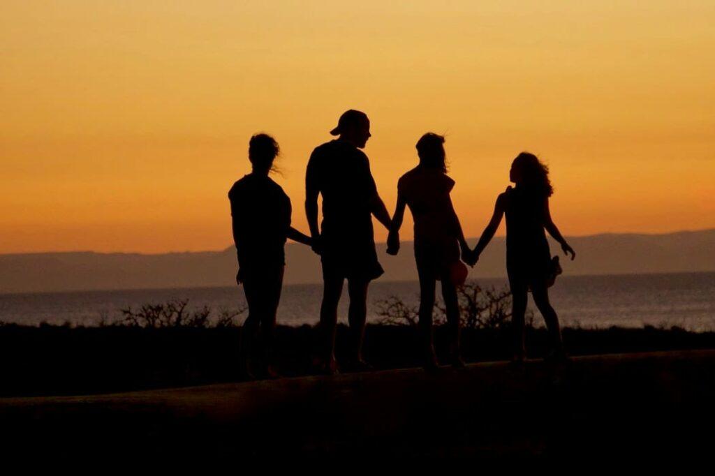 como criar crianças gentis - Foto Mike Scheid Unsplash