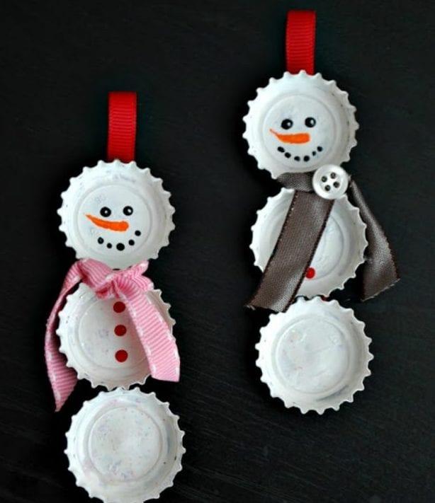 decoração de natal com material reciclado caricas bonecos de neve