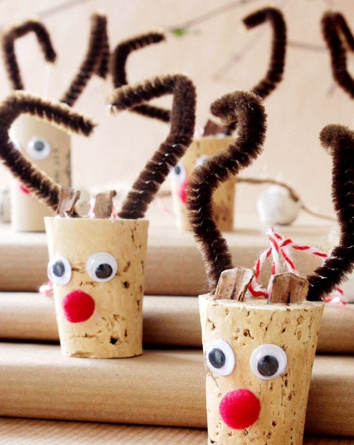 decoração de natal com material reciclado rolhas renas