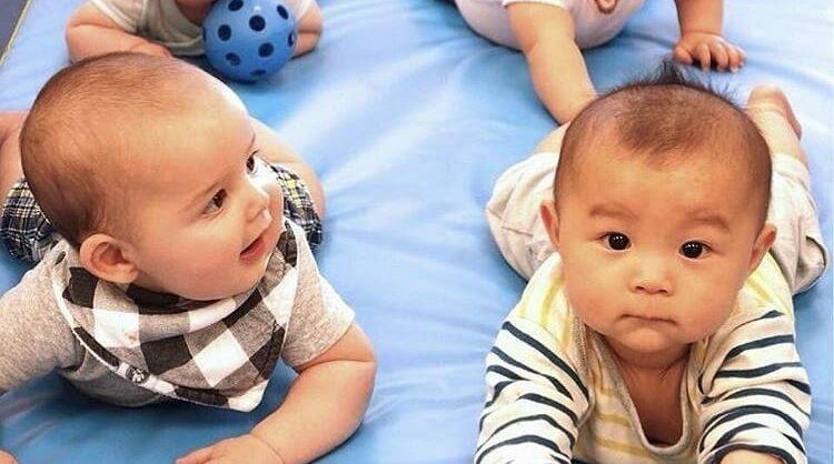 Aula Play & Learn Nível 2 (6 aos 10 meses) no Gymboree Restelo