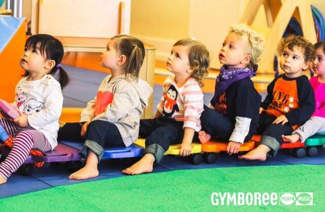 Aula Play & Learn Nível 3 (10 aos 16 meses) no Gymboree Restelo