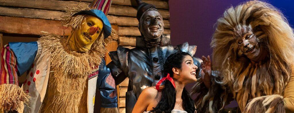 """Assista à peça """"O Feiticeiro de Oz"""""""