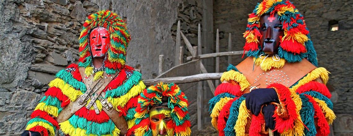 Caretos Podence – Faça a sua máscara e integre um passeio pedestre