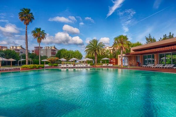 Aqualuz Troia piscina exterior