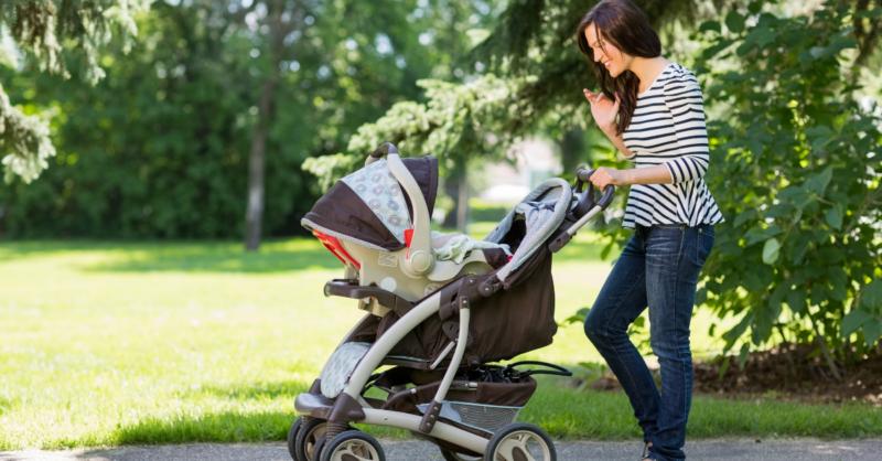 Como escolher o carrinho de bebé?