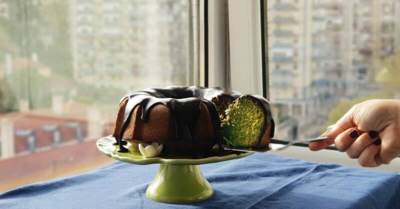 Bolo do Shrek: bolo de agriões com cobertura de brigadeiro