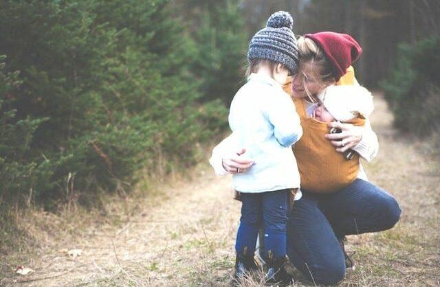 Conexão e correção: ligar à criança para a corrigir ou corrigir para se ligarem?