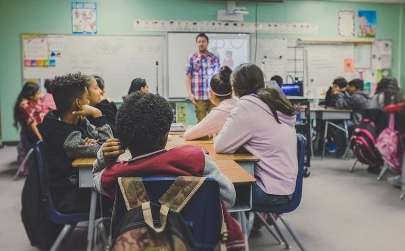 escola decreto lei 54 2018