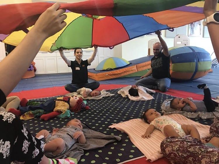 Aula Play & Learn Nível 1 (0-6 meses) no Gymboree Restelo