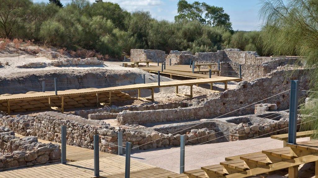 ruinas-romanas-troia-tanques