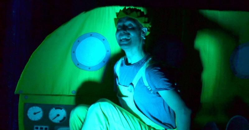 """Espetáculo – """"A Ilha do Ovo Pintado"""""""