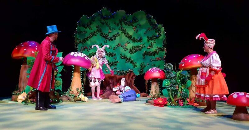 """A Ilha Encantada"" – Teatro Infantil"