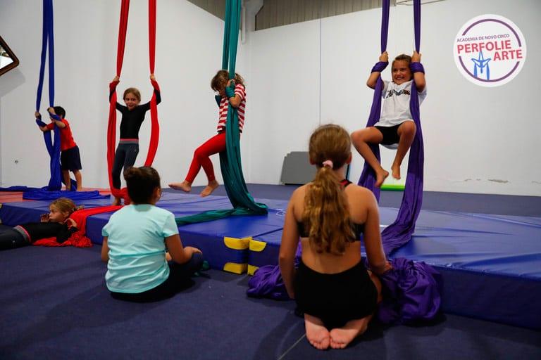 escola de circo perfolie arte