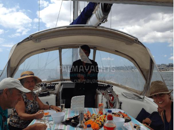 Passeio de barco no Tejo com a Palma Yachts
