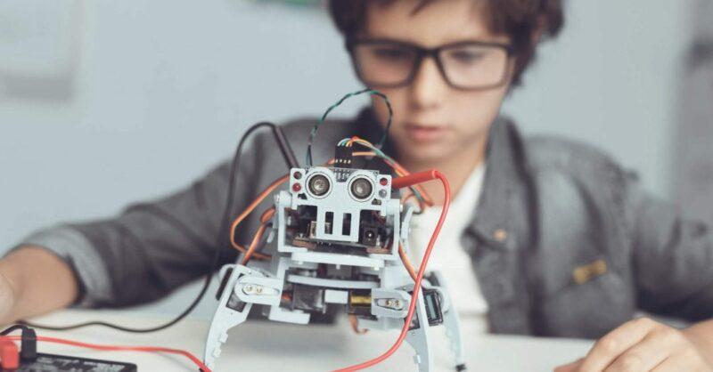 Existe uma idade mínima para aprender robótica?