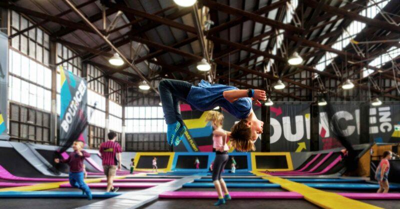 BOUNCE Freestyle Academy: aulas de trampolins muito divertidas!