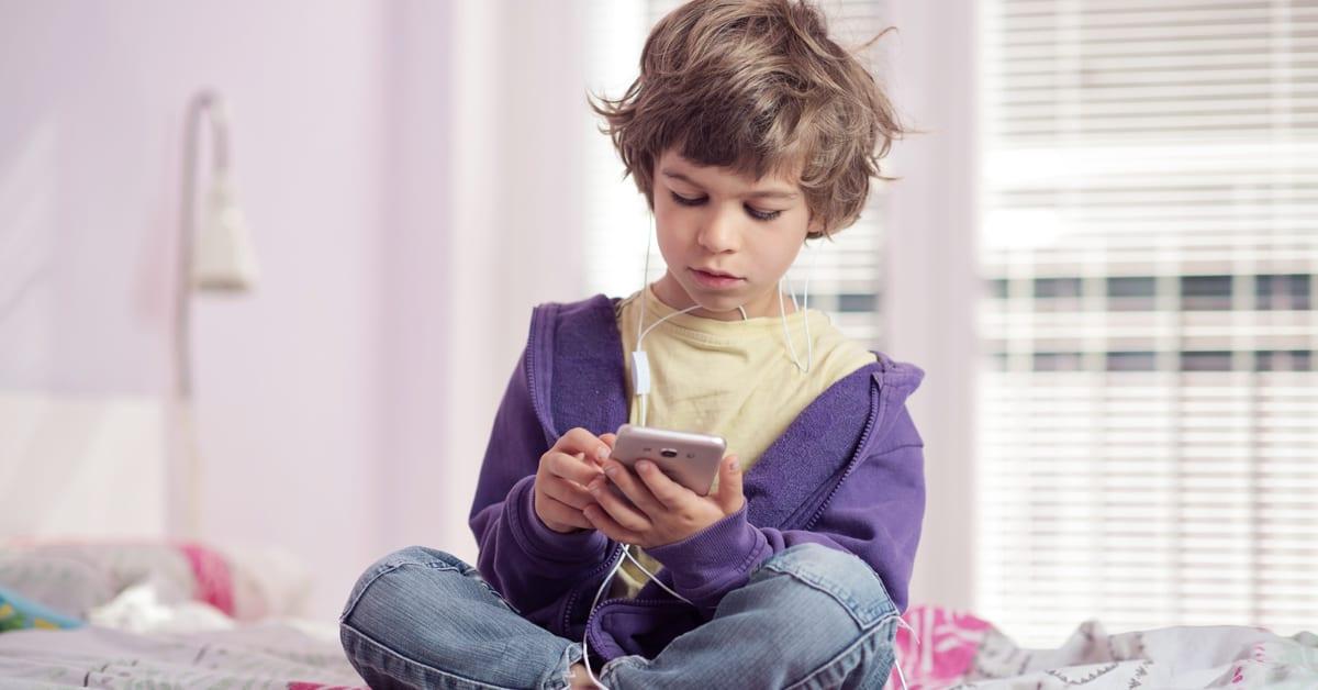 Quando comprar telemóvel? NOS tarifário kids
