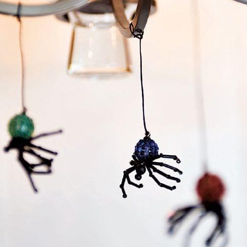 aranhas de halloween missangas