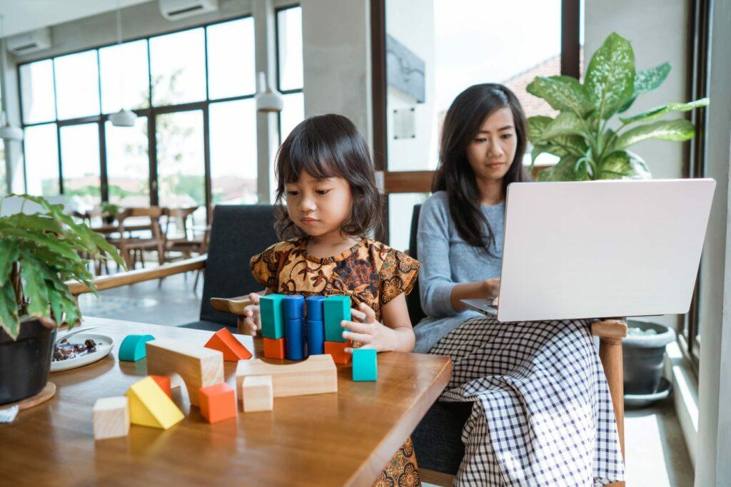conciliar teletrabalho com atividades das crianças