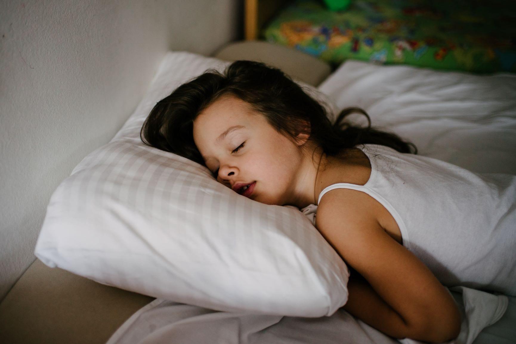 dormir a sesta crianças