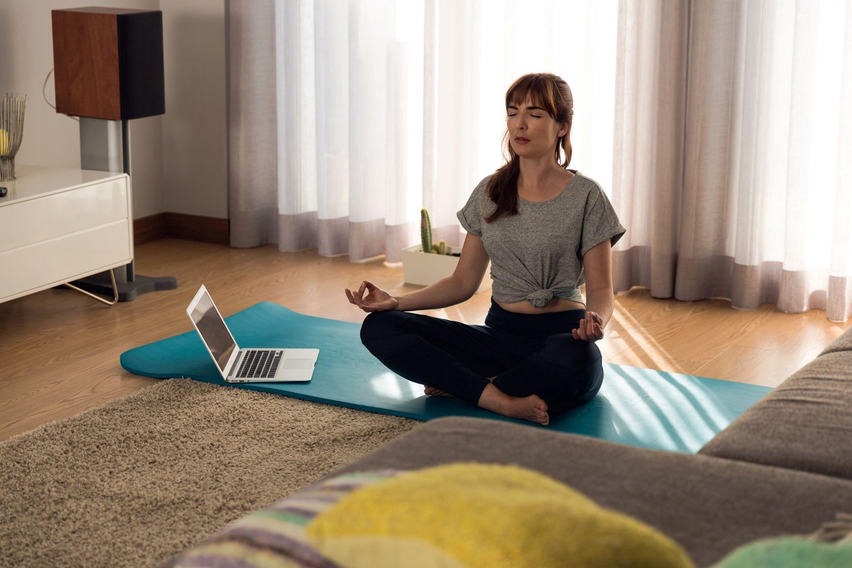 exercício em casa meditação