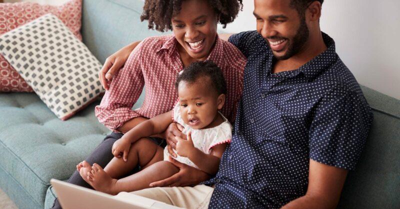 Comprar roupa online: dicas e lojas de criança
