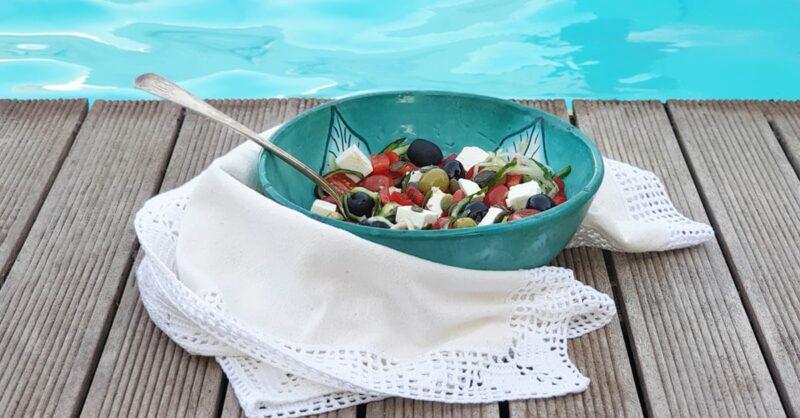 Receitas saudáveis com espiralizador: salada grega