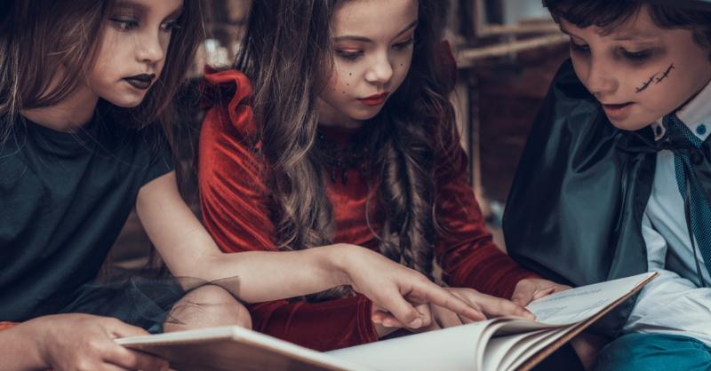 Histórias de Halloween e livros terrivelmente assustadores para ler com as crianças no Halloween