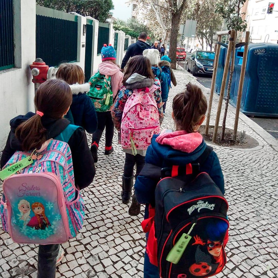 """SigAPÉ – O """"autocarro"""" que quer manter as escolas abertas"""