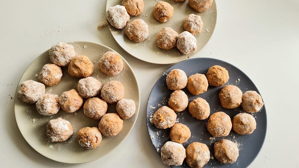 Almondegas - moldar bolinhas