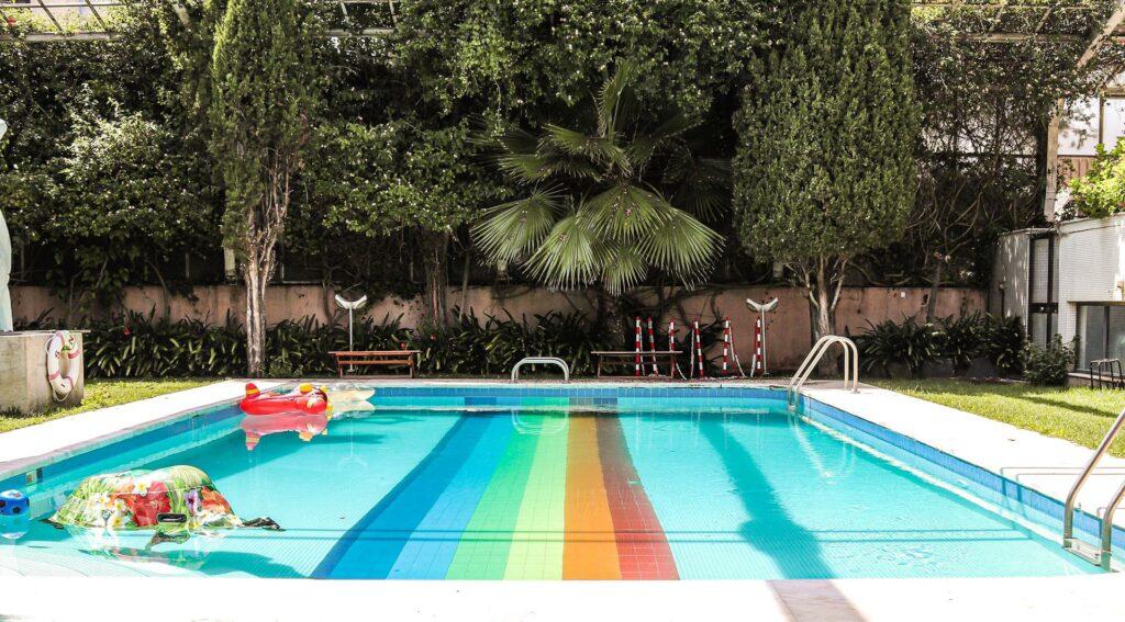 impact house piscina
