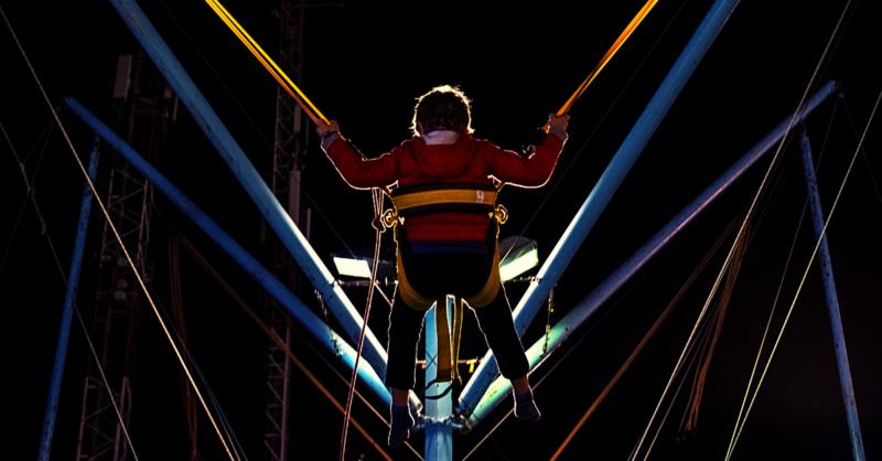 Escola de circo para as crianças: um espetáculo de atividade!