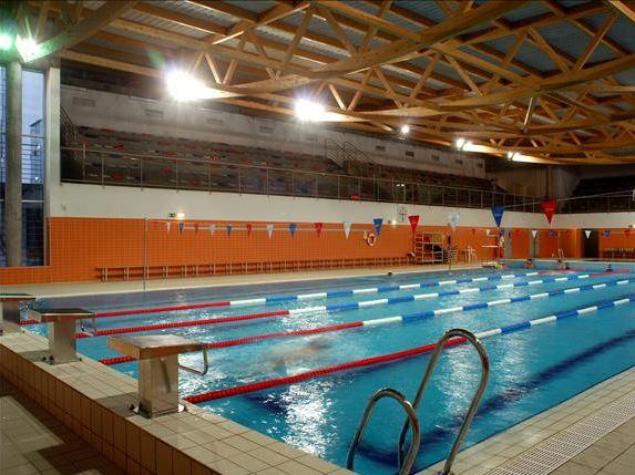 Como escolher uma piscina para o seu beb sem meter gua for Piscina municipal campos