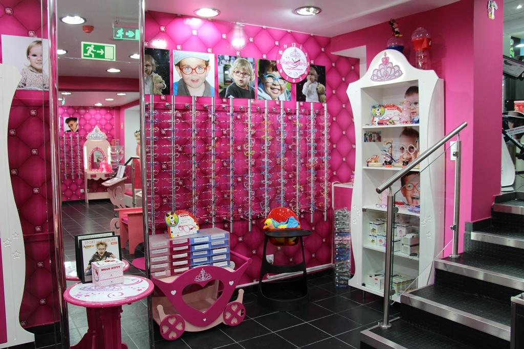 Fábrica Óculos, uma loja feita criancas aae0bbf3df